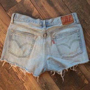 Levi's 501 cutoff jean shorts SZ 28